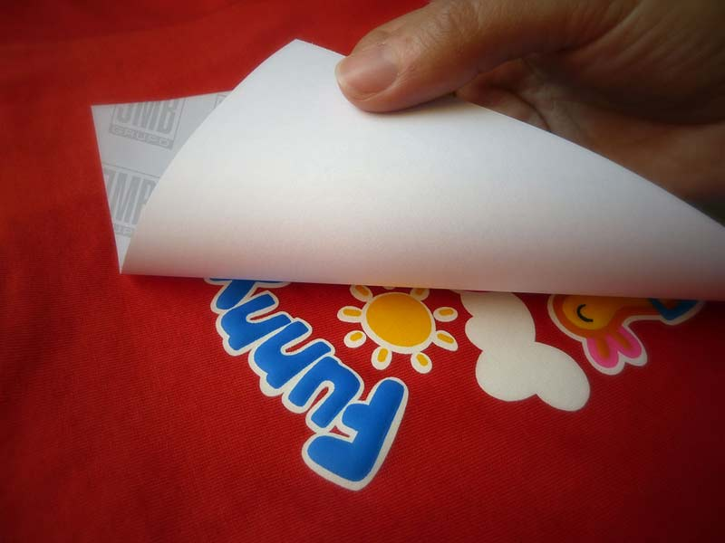 Estampar camisetas con plancha sublimación